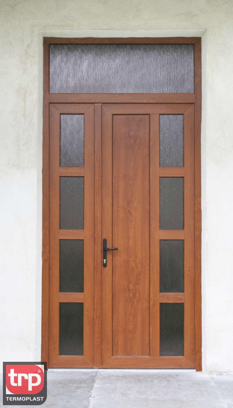 Termoplast - Le porte si aprono al centro
